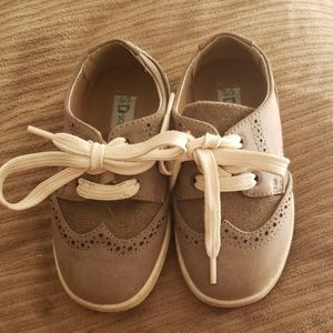 Toddler dress shoes (size 7)
